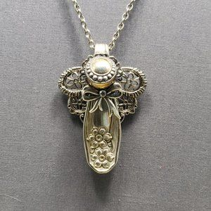 Upcycled vintage spoon necklace #1 pierced earring